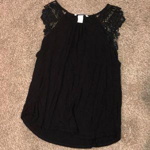 H&M Tops - Lace shoulder tank top blouse
